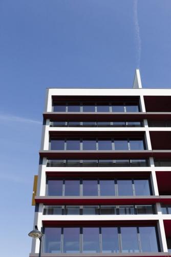 Photographie d'architecture logements. Bâtiment construit à Cenon 33850 par les agences d'architecture Atelier Jean NOUVEL et Habiter Autrement. | Philippe DUREUIL Photographie
