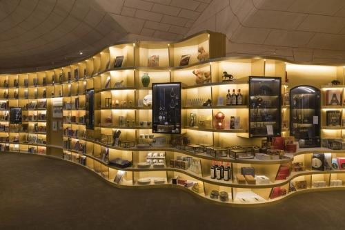 Photographie d'architecture commerciale de la Librairie Boutique du Musée du Petit Palais à Paris.   Philippe DUREUIL Photographie