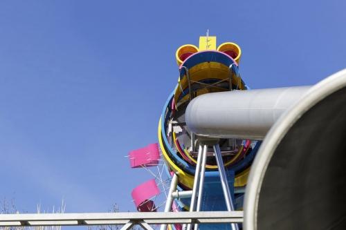 Toboggan du Dragon dans le jardin du Dragon situé au Parc de la Villette à Paris 19ème. Design réalisé par l'architecte Ursula Kurz, Agence Pasodoble. | Philippe DUREUIL Photographie