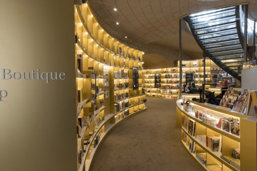 Photographie d'architecture intérieure de la Librairie Boutique du Musée du Petit Palais à Paris. Commanditaire : RMN-GP - Conception Agence SEARCH.   Philippe DUREUIL Photographie