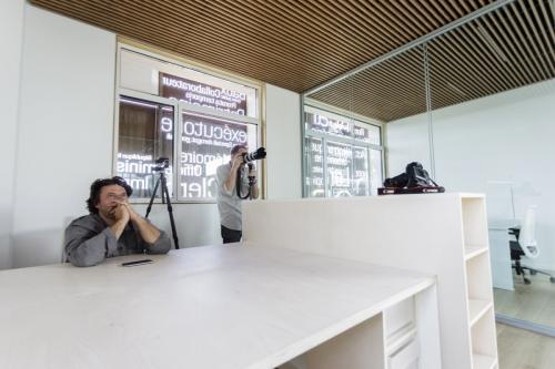 Thierry Bonne et Philippe Dureuil en reportage photographique à l'Office Notarial Ast & Carcelle. Photo : Ingo Kanekeyer. | Philippe DUREUIL Photographie