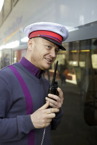 Portrait corporate réalisé en Gare pour le Rapport Annuel d'Activité 2013 TER PROVENCE-ALPES-CÔTE D'AZUR de la SNCF. | Philippe DUREUIL Photographie