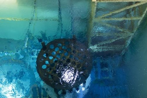Photo de détail de la piscine de la centrale de Chooz A en cours de démantèlement. | Philippe DUREUIL Photographie