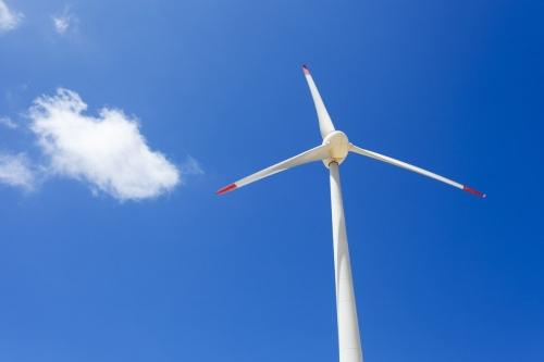 Éolienne équipée de pales en fibre de carbone. Région du Nordeste, état du Céara, Brésil. | Philippe DUREUIL Photographie