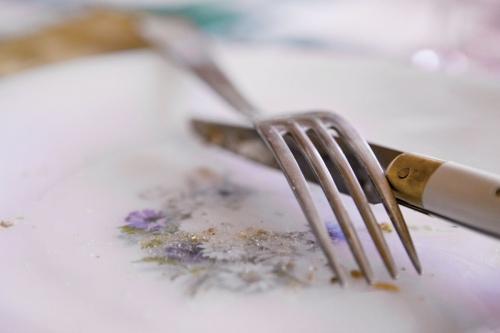 Couverts dans une assiette | Philippe DUREUIL Photographie