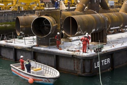Reportage photographique sur la construction et les essais de l'hydrolienne l'Arcouest du groupe EDF - Photographies de reportage réalisées en Bretagne. Agence Toma. | Philippe DUREUIL Photographie