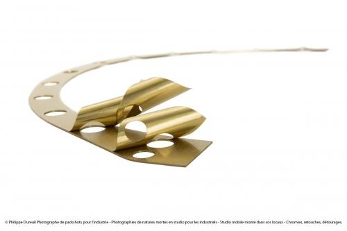 Packshot d'un produit industriel - une cale pelable - réalisé en studio mobile pour la société Mécaflash | Philippe DUREUIL Photographie