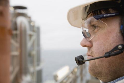 Opérateur sur la plate-forme de Troll A en mer du nord - Reportage industriel réalisé pour GDFSUEZ | Philippe DUREUIL Photographie