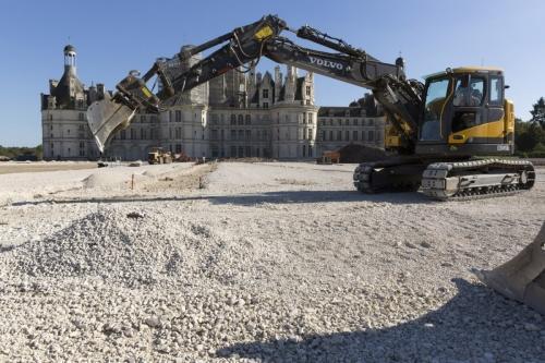 Photographie de suivi de chantier du patrimoine. Reportage photo sur la restitution des jardins à la Française du château de Chambord. | Philippe DUREUIL Photographie