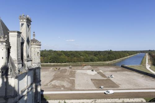Photographie du chantier de restitution des jardins du château de Chambord réalisée depuis les terrasses. | Philippe DUREUIL Photographie