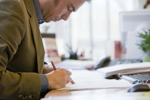 Photographie corporate d'un homme au travail réalisée pour le groupe AXA. | Philippe DUREUIL Photographie