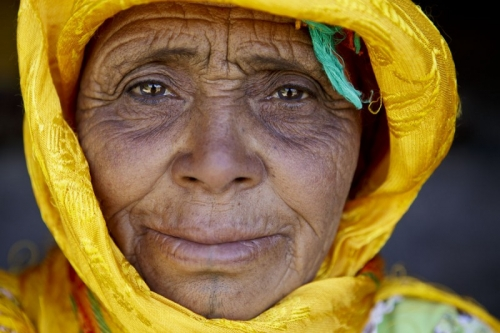 Photo de portrait d'une femme berbère nomade | Philippe DUREUIL Photographie