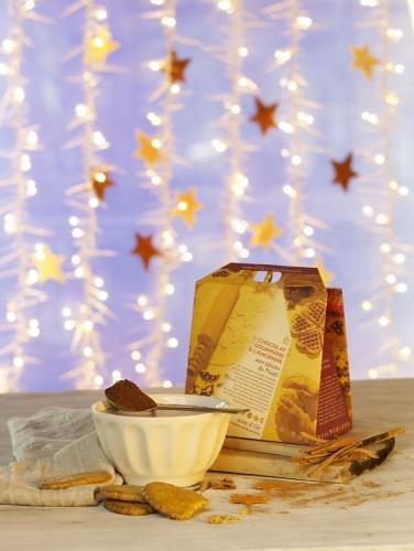 Photographie de nature morte culinaire de chocolat réalisée pour l'enseigne Nature et Découvertes. Styliste culinaire : Garlone Bardel | Philippe DUREUIL Photographie