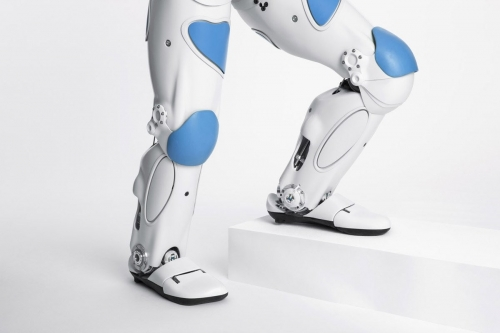 Photo de pack-shot. Photo de détail du robot Roméo réalisé en studio pour Aldebaran SoftBank Robotics. Agence Toma. DA : Aurélien Esquivet. | Philippe DUREUIL Photographie