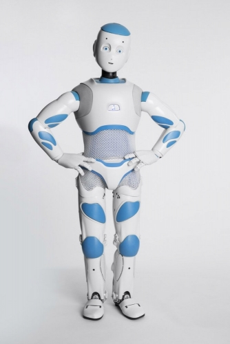Packshot produit du robot Roméo réalisé en studio pour Aldebaran SoftBank Robotics. Agence Toma. DA : Aurélien Esquivet. | Philippe DUREUIL Photographie