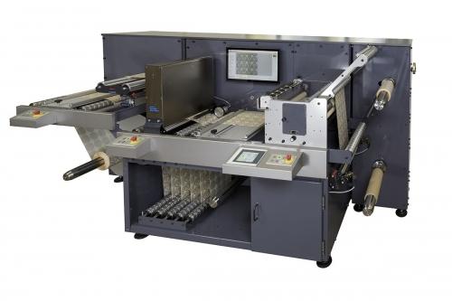 Packshot d'une machine industrielle réalisé sur site pour la société Smag Graphique | Philippe DUREUIL Photographie