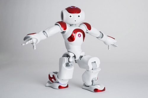 Photo de packshot du robot Nao réalisé en studio mobile pour Aldebaran SoftBank Robotics. Agence Toma. DA : Aurélien Esquivet. | Philippe DUREUIL Photographie
