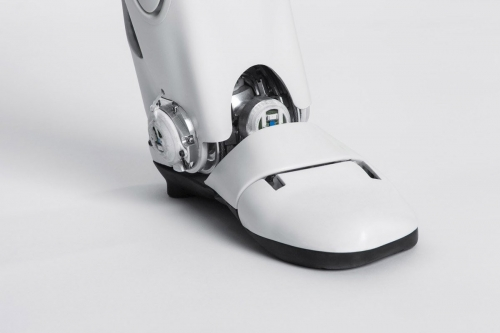 Photographie de packshot. Photo de détail du robot Roméo réalisé en studio mobile pour Aldebaran SoftBank Robotics. Agence Toma. DA : Aurélien Esquivet. | Philippe DUREUIL Photographie