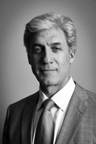 Portrait corporate réalisé dans mon studio à Paris - Monsieur W. Couturier, Directeur Général - Ellience | Philippe DUREUIL Photographie