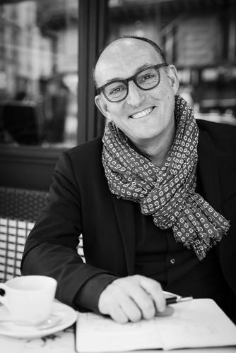 Photo de portrait en noir et blanc. Commande de Monsieur Yann Montfort, Architecte d'intérieur et décorateur à Paris | Philippe DUREUIL Photographie