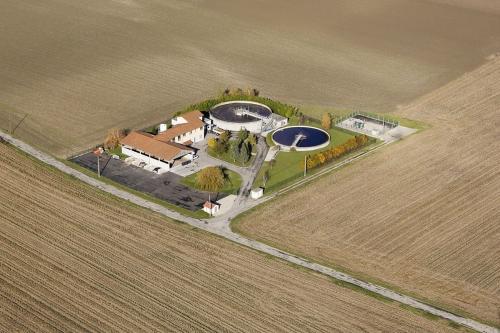 Le drone au service de l'environnement. Photographie aérienne d'une station d'épuration réalisé par drone | Philippe DUREUIL Photographie