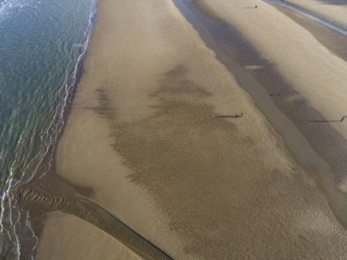 Promenade sur la plage en hiver, photo aérienne par drone. | Philippe DUREUIL Photographie