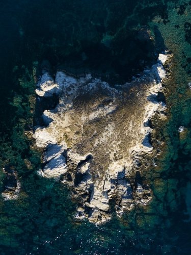 Photographie aérienne par drone de l'île du petit Rouveau situé dans l'archipel des Embiez | Philippe DUREUIL Photographie