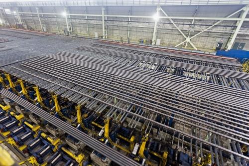 Photographie par drone réalisée à l'intérieur d'un site de production industriel | Philippe DUREUIL Photographie