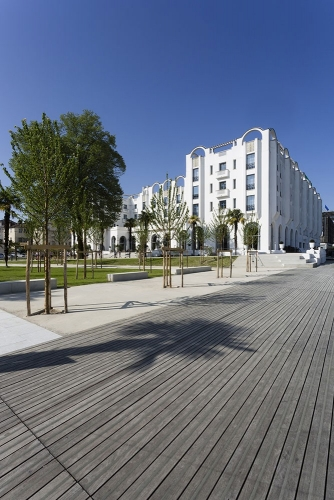 Photographie d'architecture extérieure - Hôtel le Splendid de Dax - Reportage réalisé pour l'architecte Sandrine Forais, Agence Kapzul & et la société Egis Bâtiment | Philippe DUREUIL Photographie