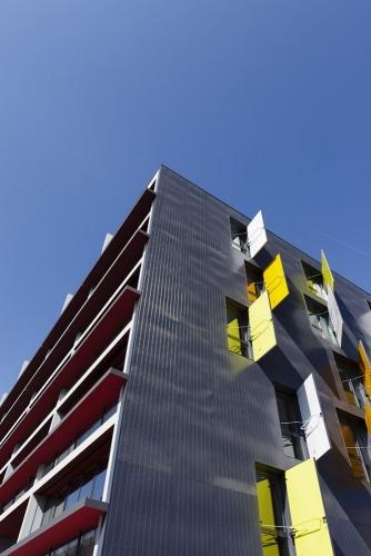 Photo architecture moderne du bâtiment La Marègue construit par les agences d'architecture Atelier Jean NOUVEL et Habiter Autrement | Philippe DUREUIL Photographie