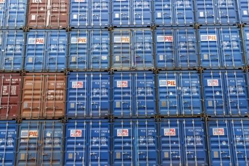 Photo corporate artistique de conteneurs maritimes