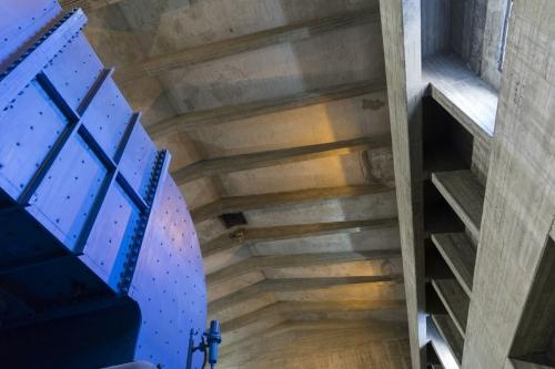 Photo d'architecture intérieuredu bâtiment turbine de la centrale nucléaire de Garigliano en Italie dessinée par l'architecte Riccardo Morandi. | Philippe DUREUIL Photographie
