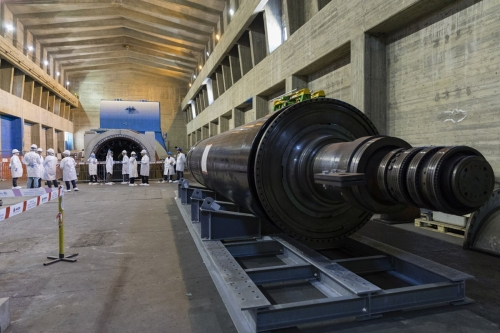 Aimant en cuivre démonté et décontaminé dans la salle des turbines de la centrale nucléaire de Garigliano. | Philippe DUREUIL Photographie