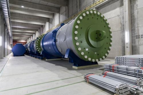 Stockage d'une cuve d'un des réacteur de la centrale nucléaire de Greifswald vidée de ses éléments internes. | Philippe DUREUIL Photographie