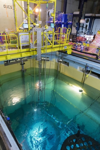 demantelement-nucleaire-centrale-Chooz-A_operateurs-decoupe