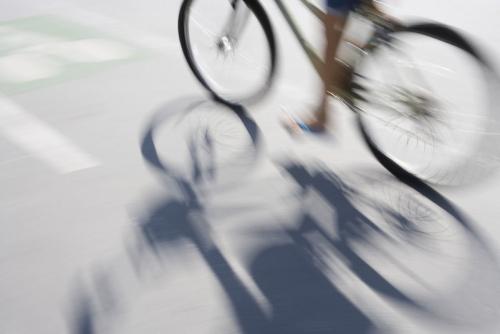 Vélo sur une piste cyclable