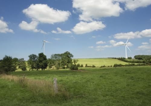 Éoliennes dans la campagne