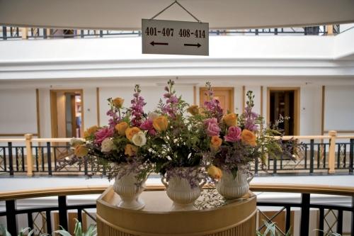 Décoration florale kitsch dans un hôtel | Philippe DUREUIL Photographie