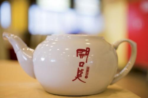 Théière chinoise en porcelaine blanche | Philippe DUREUIL Photographie