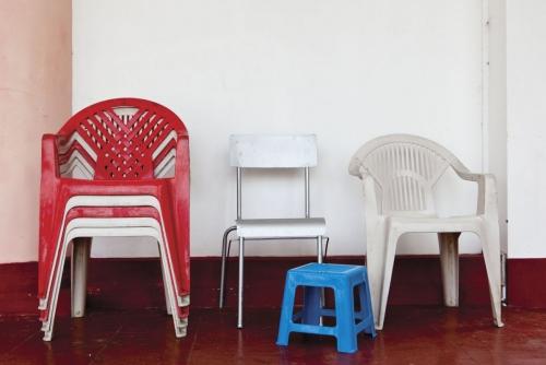 fauteuils de jardin en plastique | Philippe DUREUIL Photographie