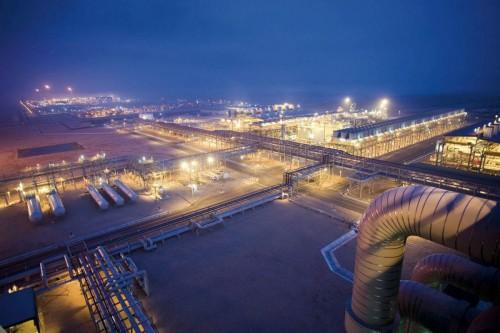 Photographie industrielle de nuit - Terminal méthanier