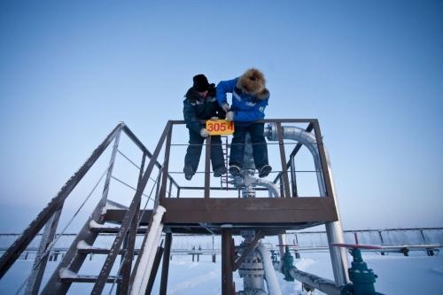 Photo industriel réalisée pour GDFSUEZ en Sibérie sur un site gazier de Gazprom - On est en janvier et le thermomètre affiche - 43 degrés ! | Philippe DUREUIL Photographie