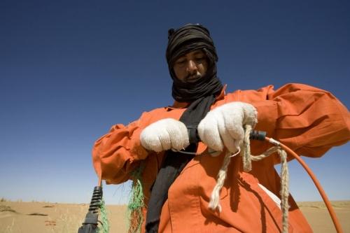 Photo industrielle réalisée pour Total Exploration Production en Mauritanie - Reportage photo pour l'illustration d'une campagne de prospection sismique | Philippe DUREUIL Photographie