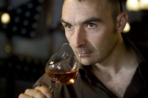 Portrait d'un œnologue réalisée pour le restaurant LEKI à Nîmes | Philippe DUREUIL Photographie