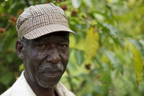 Photographie de portrait d'un planteur de café en Côte d'Ivoire | Philippe DUREUIL Photographie