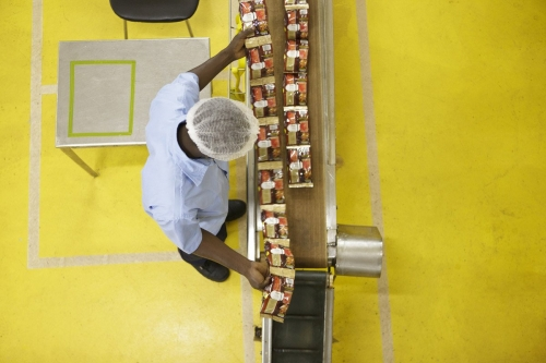 Photographie industrielle en plongé. Reportage photographique industriel réalisé pour Nescafé® à Abidjan. | Philippe DUREUIL Photographie