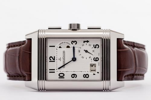 Photographie de packshot produit de la célèbre montre Reverso fabriquée par la Maison Jaeger-LeCoultre | Philippe DUREUIL Photographie