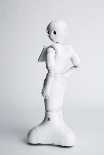 Photo de packshot design. Photo de Pepper réalisé en studio mobile pour Aldebaran SoftBank Robotics. Agence Toma. DA : Aurélien Esquivet. | Philippe DUREUIL Photographie
