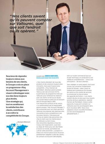 Photo de portrait corporate d'un directeur réalisée chez Vallourec pour illustrer le rapport d'activité et de développement durable | Philippe DUREUIL Photographie