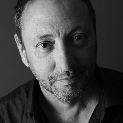 Photographie de portrait en noir et blanc du paysagiste Thierry Jourd'heuil réalisée en studio à Paris par le photographe portraitiste Philippe Dureuil. | Philippe DUREUIL Photographie